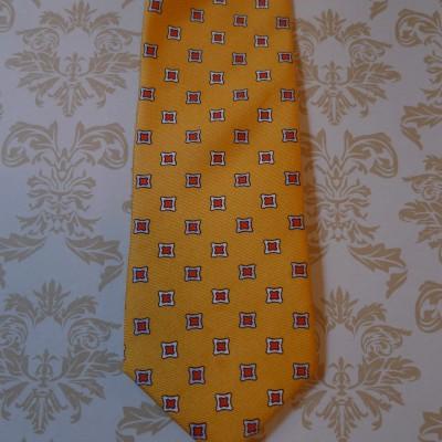 Silk Gold diamond tie.