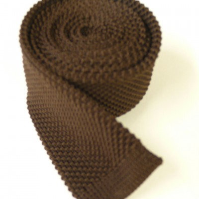 Mid brown knitted tie