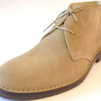 Sahara boots sand 1